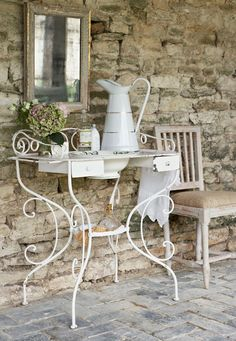 Shabby chic french-style vanity metal stand! I can chang it using my Vintage flower cart