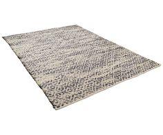 Ein Mix aus Schurwolle und Baumwolle machen dieses Modell zu Ihrem neuen Lieblingsbegleiter: Teppich SMOOTH COMFORT von Tom Tailor ist genau das! Ein sanfter, komfortabler Teppich, der auch optisch eine gute Figur macht. Was können Sie sich mehr wünschen?