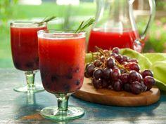 Vodka Grape Sparkler Recipe #holidayentertaining