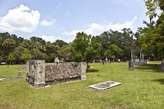"""Savannah's Colonial Park Cemetery in Savannah is sometimes called """"Paranormal Central."""""""