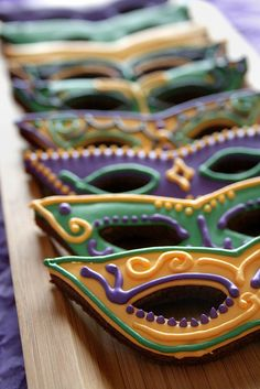 Mardi Gras Cookies. by navygreen, via Flickr on lifesabatch.com Repinned By:#TheCookieCutterCompany
