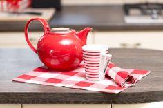 Rot wie die Liebe! Diese #Teekanne hat es in sich...