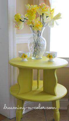 English Yellow End Table {makeover}