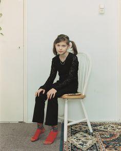 \><\    Rineke Dijkstra's Portraits