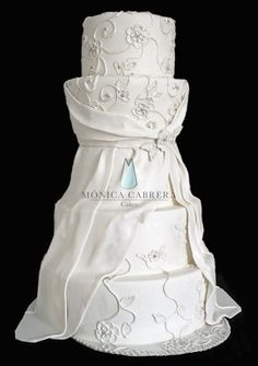 Pastel bordado royal icing Mónica Cabrera Cakes www.monicacabreracakes.com  Puebla, México
