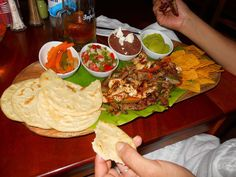 comida tipica en Copan Ruinas Maya, Honduras Food, Honduran Recipes, Good Food, Food And Drink, Dishes, Ethnic Recipes, Temple, Tours
