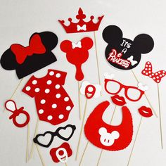 Minnie Mouse baby shower photobooth props by LeStudioRose on Etsy Minnie Mouse Theme Party, Red Minnie Mouse, Mickey Y Minnie, Mini Mouse Baby Shower, Baby Mouse, Baby Shower Princess, Photo Booth Props, Baby Disney, Baby Shower Parties
