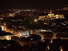 The Acropolis at night. | 31 Photos That Will Make You Want To Visit Greece Immediately