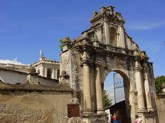 Portón de San Francisco El Grande, La Antigua Guatemala