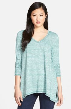 Free shipping and returns on Caslon® Side Slit Long Sleeve Tee at Nordstrom.com. A slouchy hem with side slits finishes an easy A-line tee cut from a space-dyed knit and topped with a banded V-neckline.