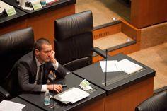 Los rufianes del Partido Verde Jorge Emilio González en el Senado. Foto: Miguel Dimayuga  http://www.proceso.com.mx/?p=396759