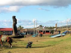 hanga roa Easter Island, Honeymoon Destinations, Romantic Travel, Romance, Romance Film, Romances, Romantic Things, Romantic Getaways, Romantic