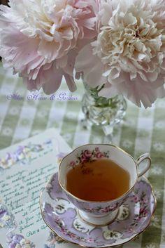 Aiken House & Gardens: Soft and Romantic Afternoon Tea