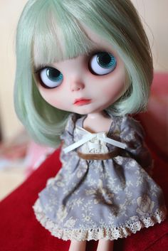 I have now realized that I have an uncontrollable love for custom Blythe dolls with short hair