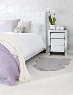 Glamourous white and silver colour scheme