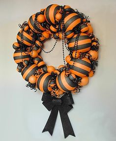 15 Unique Halloween Wreaths to Make - Page 7 of 16 - diycandy.com