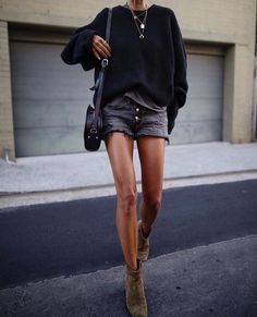 21 Summer Boots To Buy Now - fashionable summer casual Estilo Fashion, Fashion Mode, Indie Fashion, Fashion Week, Look Fashion, Trendy Fashion, Womens Fashion, Fashion Trends, Fashion Beauty
