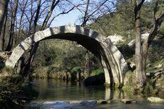 Roman Bridge in Roussillon France © Isabelle Blanchemain