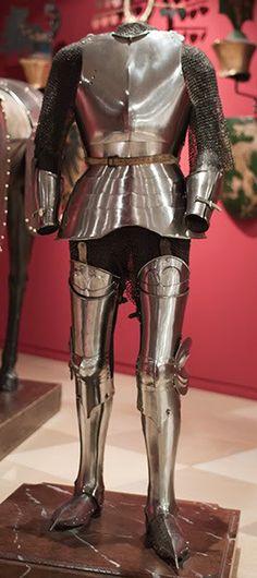 German armour    1440 - 1450 Wien, Austria, Wien Museum Karlsplatz, inv.no. 127 000-009, composite Kastenbrust armour, South German. Legs later, 1460  Images courtesy of Blaz Berlec