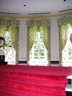 """Dorothy Draper's """"Bowtie"""" Curtains... genius!"""