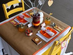 Great kids table - Rustic Owl #Thanksgiving table