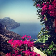 Private Terrace with bougainvillea, on the South Aegean Sea. Olympos - Karphatos