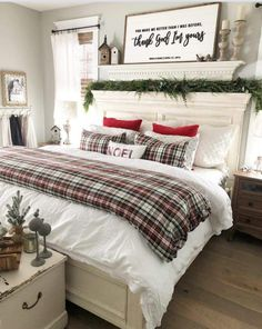 30 New Christmas Home Decor Inspiration Ideas 14 - Home Decoration Ideas Apartment Decoration, Decoration Bedroom, Room Wall Decor, Winter Bedroom Decor, Winter Bedding, Fall Bedroom, Art Decor, Dorm Room Walls, Room Rugs