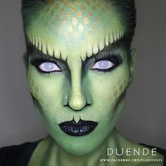 Snake make up. Contact lenses by New Halloween Costumes, Halloween Kostüm, Halloween Contacts, Halloween Face Makeup, Medusa Costume Makeup, Sfx Makeup, Makeup Art, Alien Make-up, Snake Costume