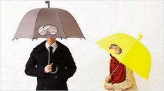 Estúdio de design 25togo lançou um guarda-chuva com máscara integrada
