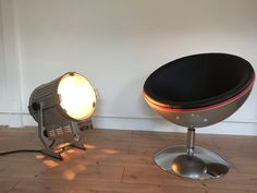 Globe, Mirror, Table, Furniture, Home Decor, Environment, Ad Home, Speech Balloon, Decoration Home
