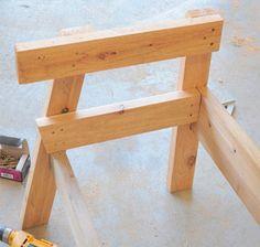 Сборка боковины скамейки. Diy Outdoor Furniture, Outdoor Decor, Patio Bench, Stool, Chair, Bench Plans, Wood Construction, Lawn And Garden, Pallet