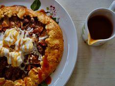 Omenagalettea suolakinuskikastikkeen kanssa - Topi-Keittiöt Tacos, Mexican, Ethnic Recipes, Food, Eten, Meals, Diet