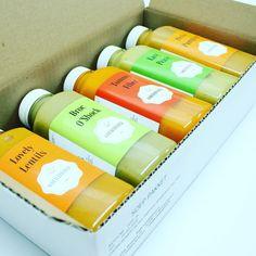 Soep pakket in eigen jasje!  5 verschillende vegan soepen, ideaal voor de pre- & en post-detox of voor mee naar t werk!  Nu online te bestellen! Convenience Store, Fruit, Convinience Store