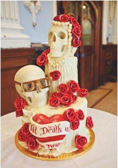 Skull wedding cake - My wedding ideas Skull Cake Pan, Skull Cakes, Beautiful Cakes, Amazing Cakes, Skull Wedding Cakes, Gothic Cake, Novelty Cakes, Halloween Cakes, Occasion Cakes