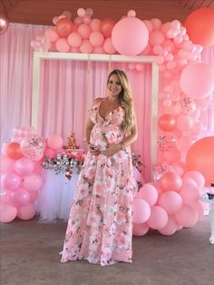 New baby shower outfit pink party ideas 62 Ideas Fotos Baby Shower, Baby Shower Photo Booth, Baby Shower Balloons, Baby Shower Themes, Baby Shower Decorations, Shower Ideas, Girl Babyshower Themes, Baby Girl Dresses Diy, Baby Shower Dresses