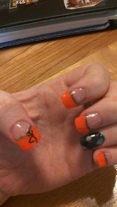 Camo, orange, browning, glitter <3