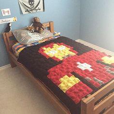 Iron Man pixel crochet blanket by Kris | Harveson Crafts
