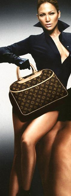 JoLo for Louis Vuitton - Yes, Yes and Yes! These ads she did for Louis Vuitton were some of her best. Vuitton Bag, Louis Vuitton Handbags, Purses And Handbags, Marca Louis Vuitton, Louis Vuitton Monogram, Beautiful Handbags, Beautiful Bags, Jennifer Lopez, Sacs Louis Vuiton