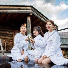 Seulgi, Irene and Wendy Kpop Girl Groups, Korean Girl Groups, Kpop Girls, Wendy Red Velvet, Red Velvet Irene, Irene Wendy, My Girl, Cool Girl, Red Velvet Photoshoot