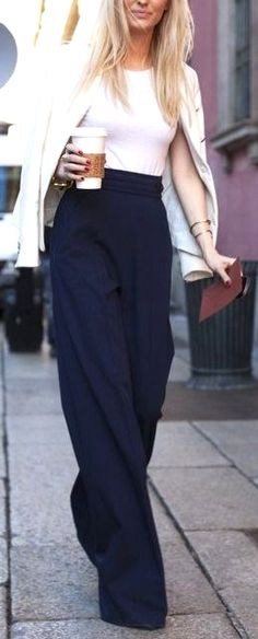 How to wear wide leg pants, the ultimate visual outfit guide is here. Nothing like navy and cream to class it up a bit.