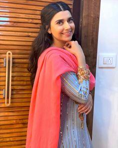 Patiala Suit Designs, Churidar Designs, Embroidery Suits Punjabi, Embroidery Suits Design, Punjabi Girls, Punjabi Dress, Beautiful Girl Photo, Beautiful Girl Indian, Nimrat Khaira Suits