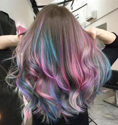 "2,680 curtidas, 45 comentários - hair by Isabella Carolina (@dear_bella) no Instagram: ""Metallic Candy! ✨ . . . Cabelo feito pelos meus alunos no @the_color_experience com técnica…"""