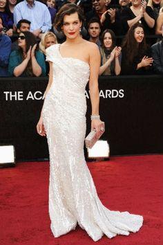 milla jovovichlors de la 84e cérémonie des oscarsà hollywood à los angeles elie saab