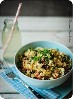 Quinoa-Kichererbsensalat mit Feta