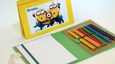 A maleta risque-rabisques (para folha A5) com giz de cera ou lápis de cor é confeccionada com técnicas de cartonagem,