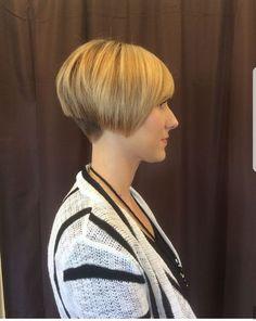 Short Hairstyles Over 50, Short Bob Haircuts, Hairstyles Haircuts, Layered Hairstyles, Short Dark Hair, Short Hair With Layers, Short Hair Cuts, Blonde Hair Quiz, Bob Haircut Back View