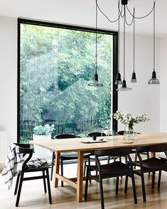 Gorgeous @derek_swalwell Styling @HeatherNetteKing for @houseandgarden #interiors #spaces #dining