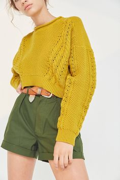 Shop BDG Slouchy High/Low Cable Knit Sweater at Urban Outfitters today. We carry all the latest styles, colors and brands for you to choose from right here. Slouchy Sweater, Cable Knit Sweaters, Cropped Sweater, Crewneck Sweater, Chunky Knitwear, Knit Fashion, Fall Winter Outfits, Sweater Weather, Long Sleeve Tops