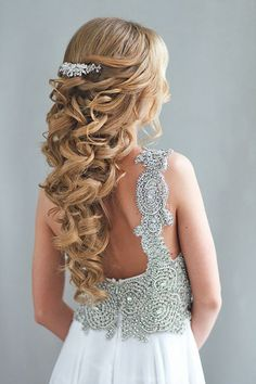 half up half down wedding hairstyles art4studio-17r / http://www.himisspuff.com/half-up-half-down-wedding-hairstyles/