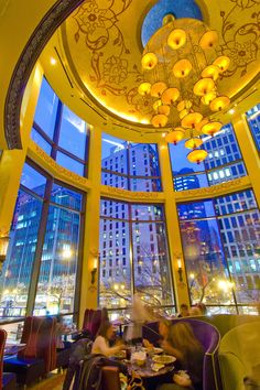 Grand Luxe Cafe' Interior of Chicago's Grand Lux Cafe' on Michigan Avenue. Photo Credit: City of Chicago / Choose Chicago www.thetouroperator.com
